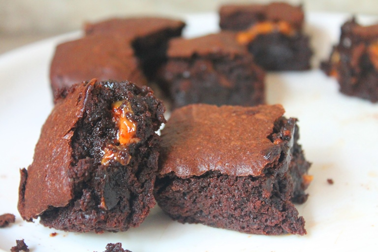 Snickers Brownies Recipe