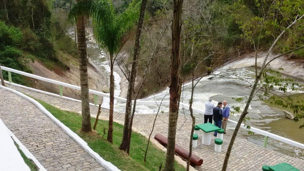Revitalização do ponto turístico de Teresópolis : Cascata do Imbuí