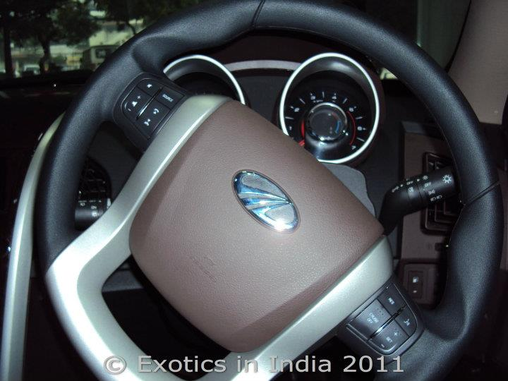 exotics in india birth of a new suv mahindra xuv 500 driven. Black Bedroom Furniture Sets. Home Design Ideas