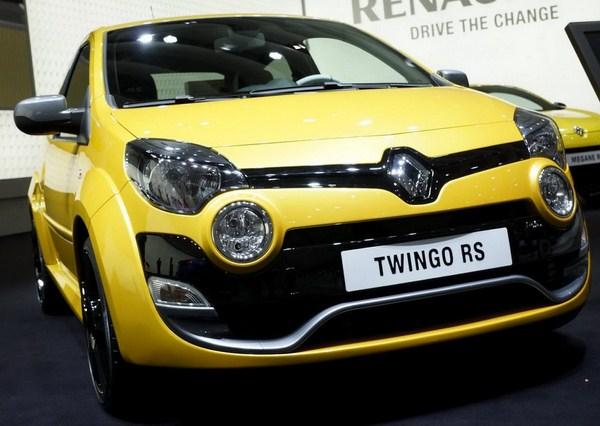 http://4.bp.blogspot.com/-dDpu9xTsIq8/T3Y75WXgUOI/AAAAAAAAJek/i4bT08h5s3g/s1600/2012-Renault-Twingo-6.jpg