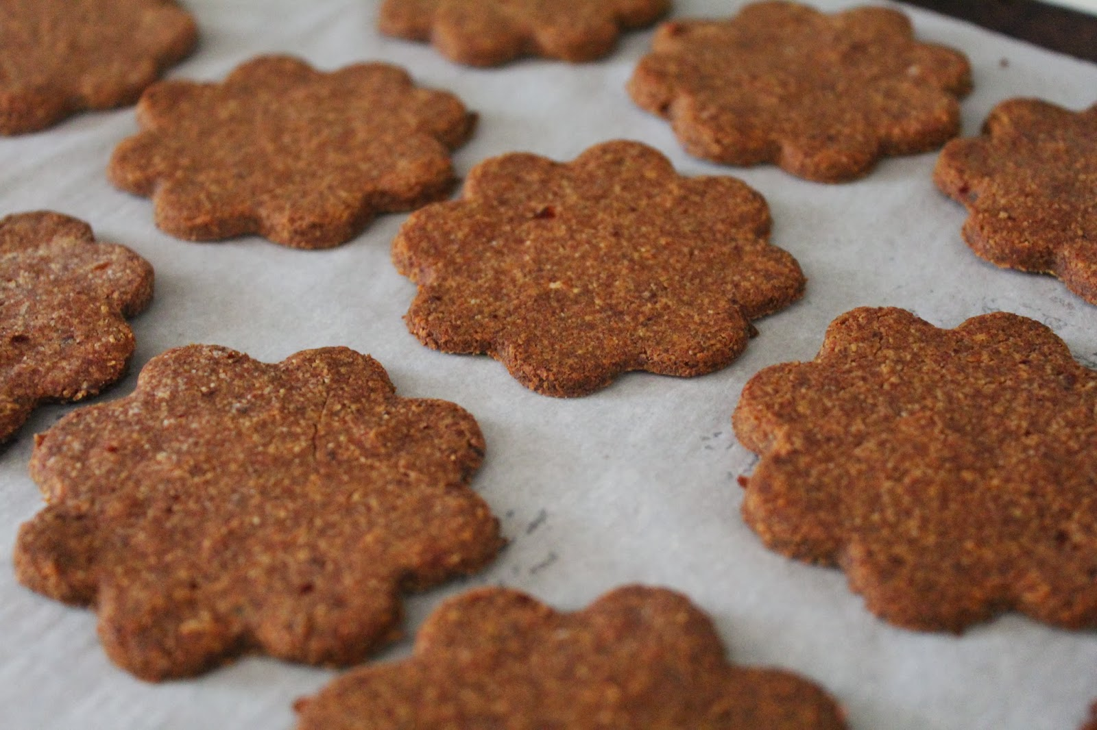 The Primitive Homemaker: Chewy Ginger Thin Cookies ...