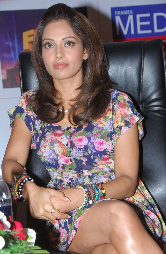 Hot Bollywood Actress Bipasha Basu Exclusive