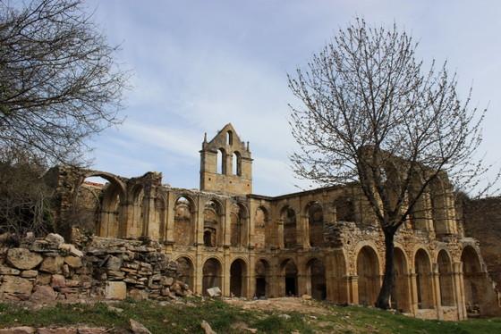 imagen_burgos_monasterio_arte_edificio_iglesia_ruinas_rioseco_arcos_claustro