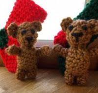 http://translate.googleusercontent.com/translate_c?depth=1&hl=es&rurl=translate.google.es&sl=en&tl=es&u=http://planetmfiles.com/2008/12/02/free-crochet-tiny-teddy-bear-pattern/&usg=ALkJrhgfrchkwbj74lUIZEDbj7yG_GbN-A