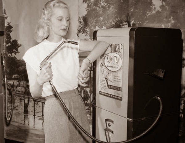 How People Spray Tanned In The Good Ol' Days