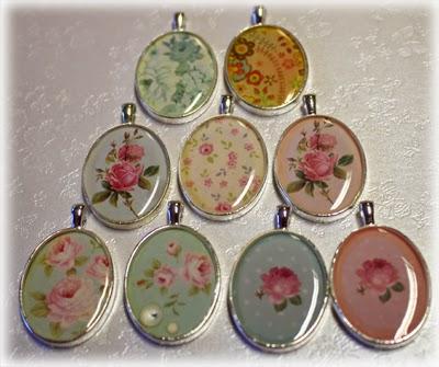 Smykker med blomstermotiv