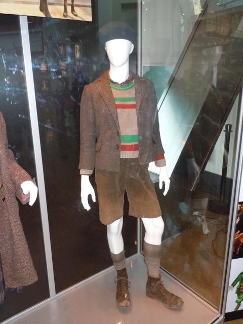 Asa Butterfield Hugo costume