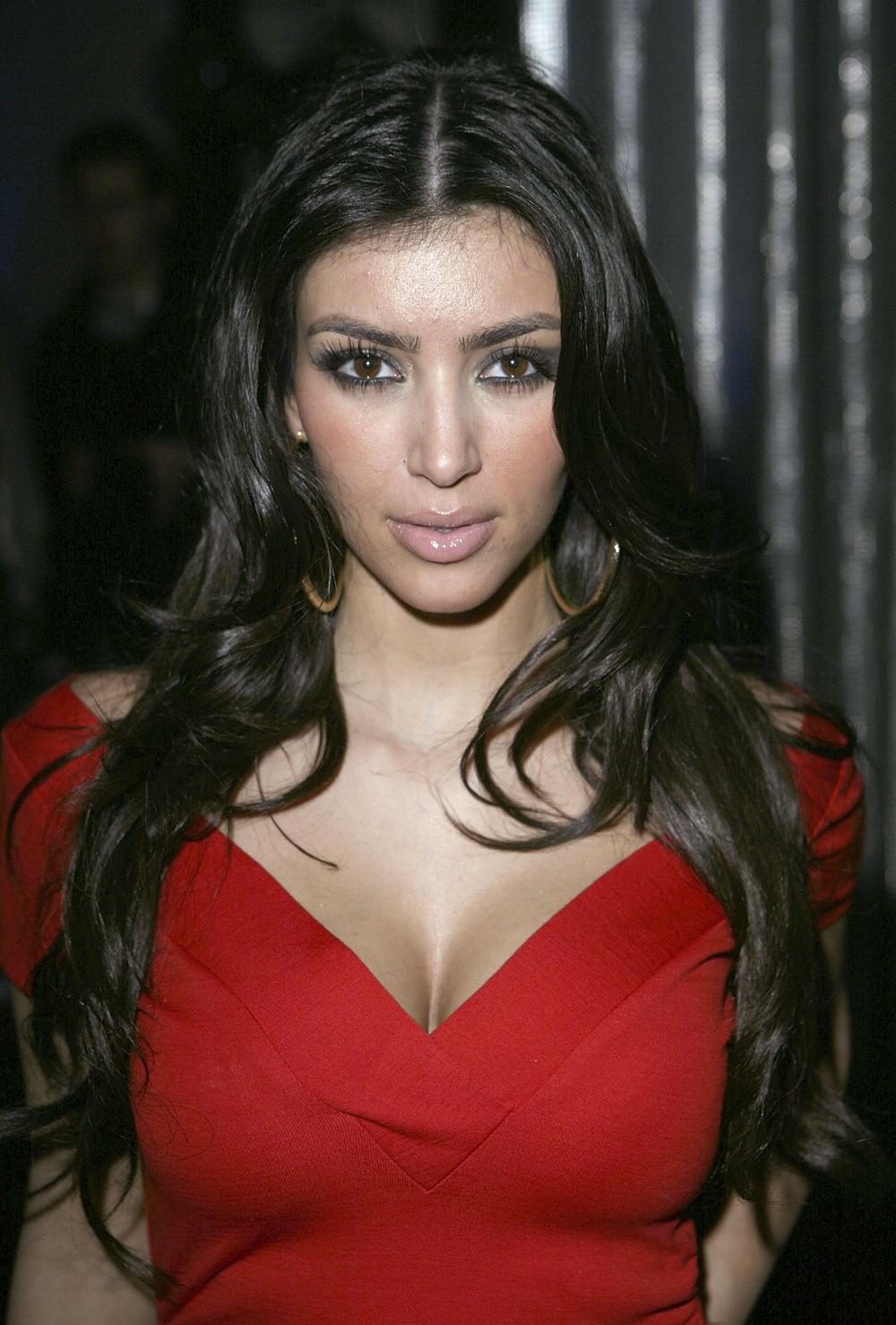 Kim Kardashian Curly Hair 09