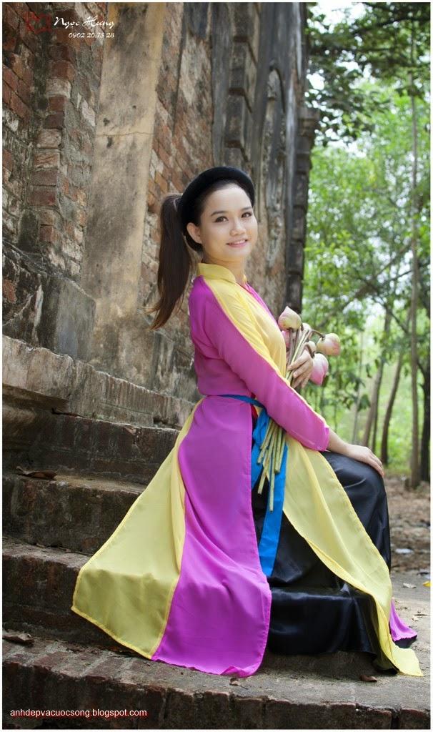 Thiếu nữ Huế xinh đẹp với áo tứ thân 15