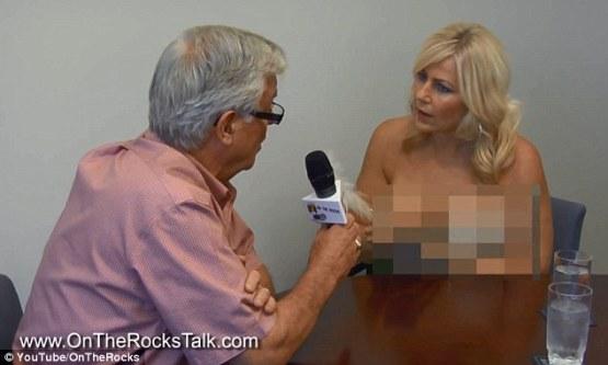 Nude on toilet video