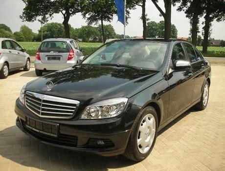Cho thuê xe cưới Mercedes C200 hạng sang