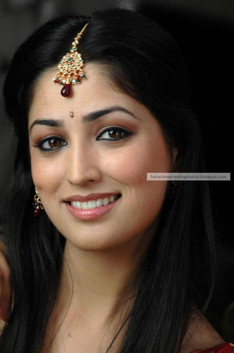 Hot Indian Actress Rare HQ Photos: Actress Yami Gautam Unseen ...