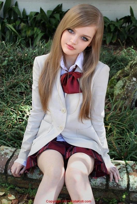 Kotakoti ,gadis 16 taun mirip berbie.