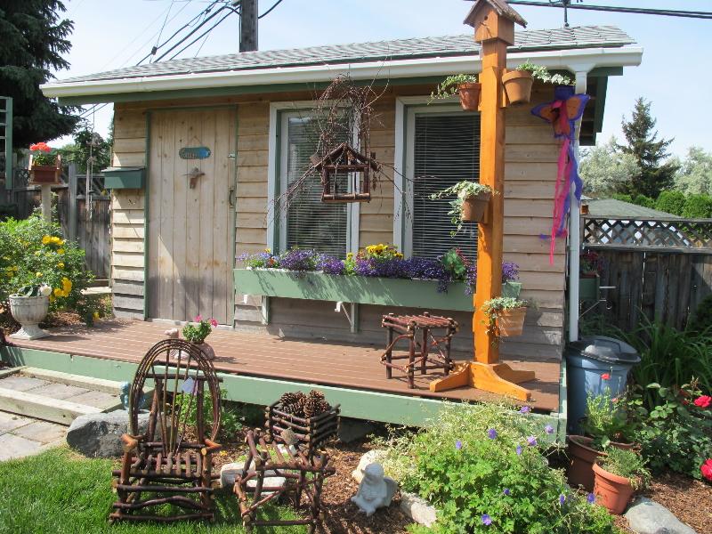 The cranbrook guardian cranbrook garden beauties for Newhouse sheds