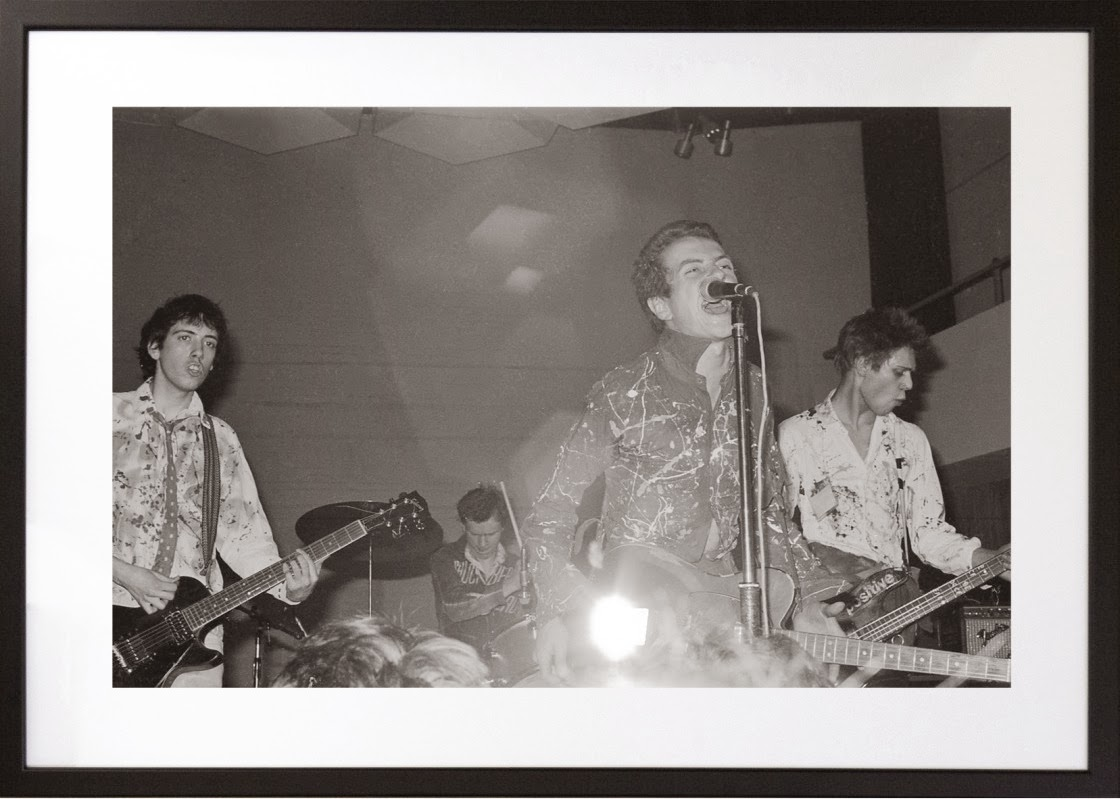 The Photography of Punk. The Clash. A Night of Treason. Royal College of Art. Jonh Ingham