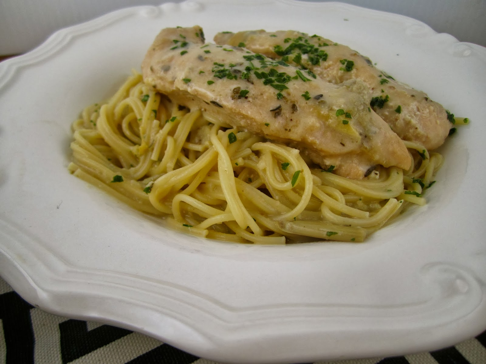 Stephanie Cooks: Garlic Artichoke Chicken and Pasta