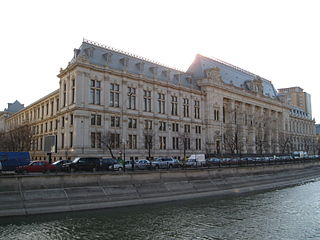 photos of exterior of palace of justice in bucharest romania
