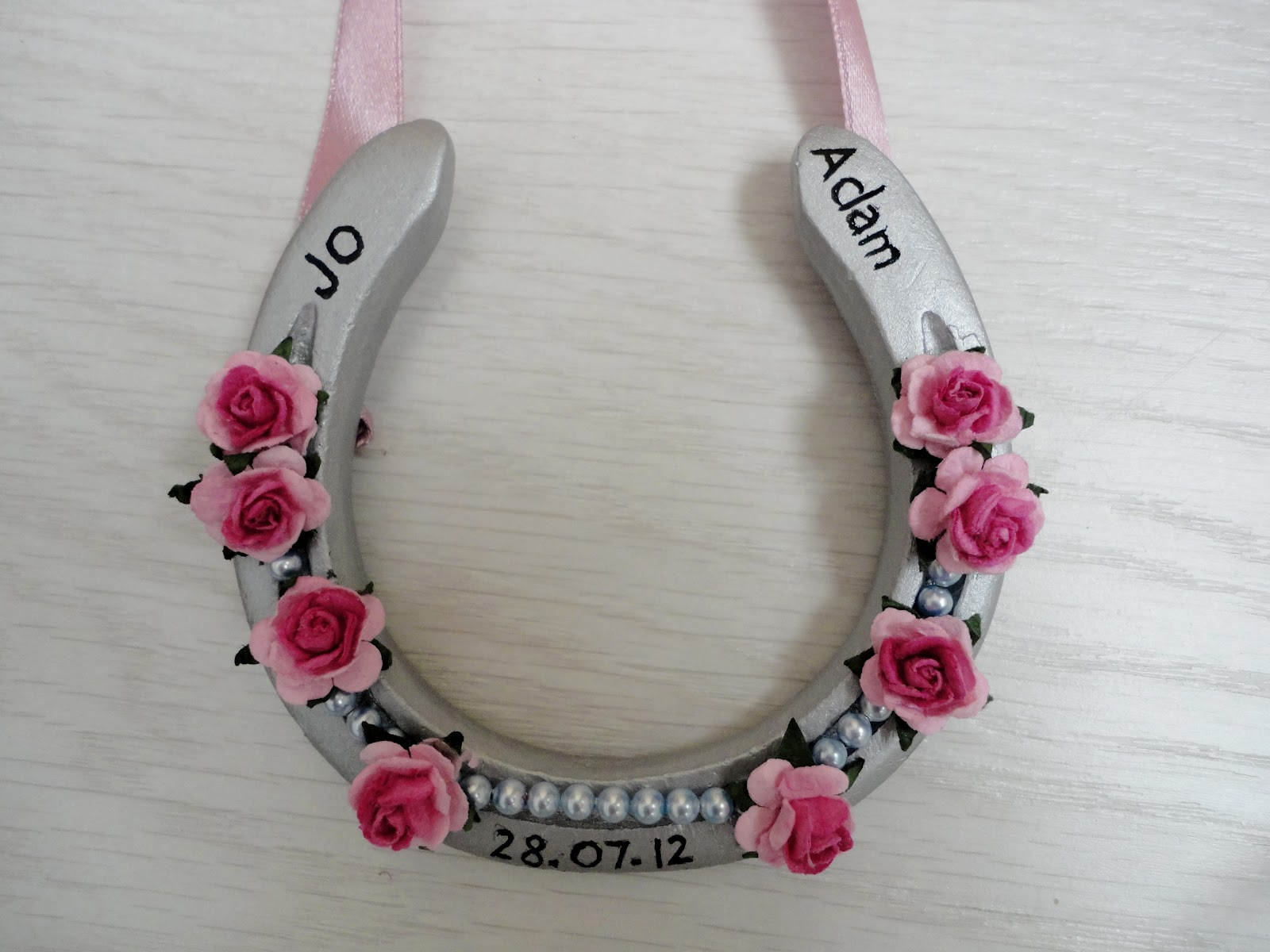 The horse talker wedding horseshoe diy for How to decorate horseshoes
