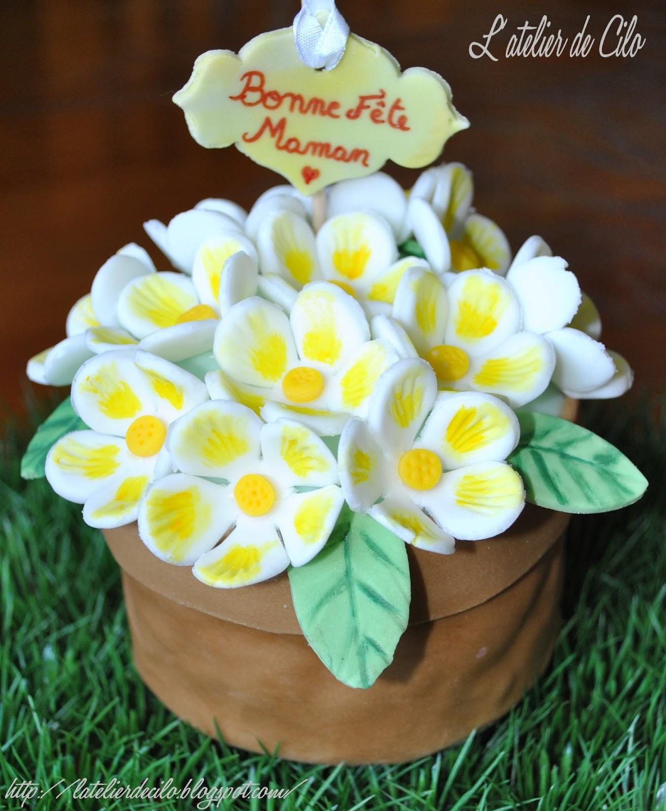 l 39 atelier de cilo g teau pot de fleurs en p te sucre pour la f te des m res. Black Bedroom Furniture Sets. Home Design Ideas