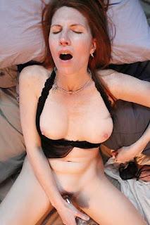 顽皮的女孩 - sexygirl-2168-757501.jpg