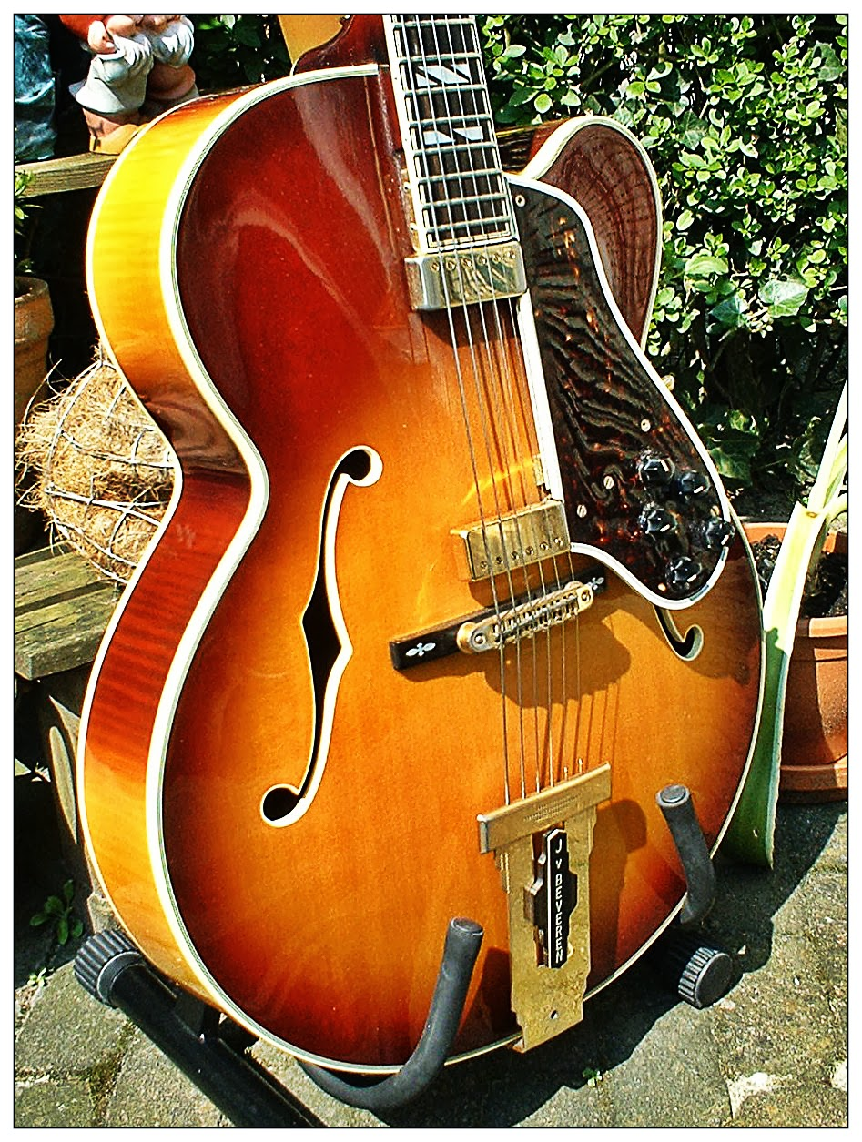 Dutchboppers Jazz Guitar Blog 1977 Ibanez Johnny Smith Gibson Es 175 Wiring Diagram I Was Always A Bit Uncomfortable With The Electric Sound Of My Floating Pups Mmm Whats Point Pup On