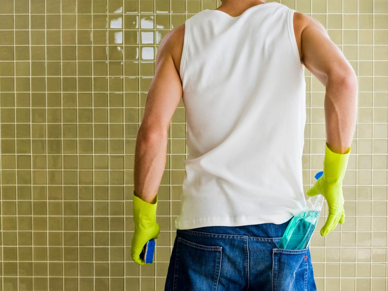 Home Remodeling - Cleaning bathroom walls