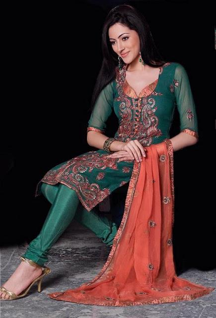 Women Bridal Pakistani Shalwaar kameez