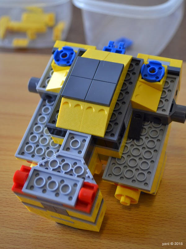 emmet's construct-o-mech - back details