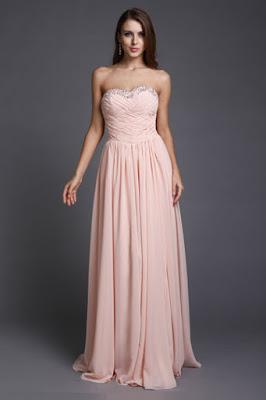 Le style et la taille aussi varient d\u0027un pays à l\u0027autre. Il y a beaucoup de  genres de robes de bal robe de bal longue, robe de bal mi,longue et