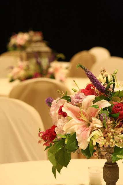 Splendid Stems Event Florals - Table Centerpiece on Cake Plate - Hilton Hotel Albany Crowne Plaza
