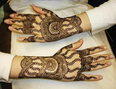 woman Bridal Mehndi Designs for hands