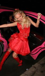 Despedida de soltera en limusina rosa