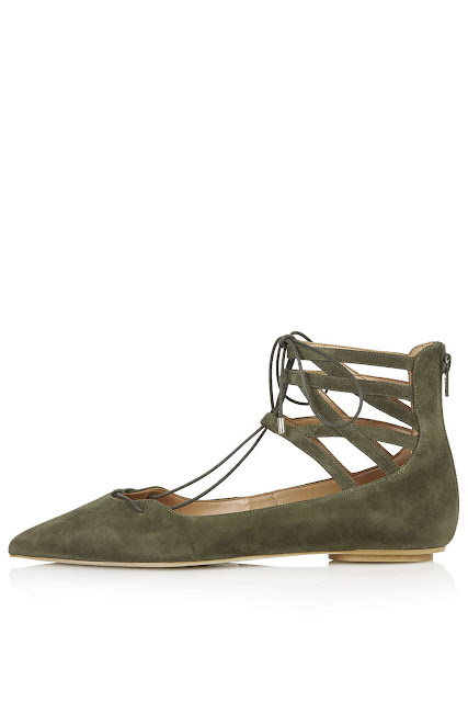 green pointed tie up shoes,