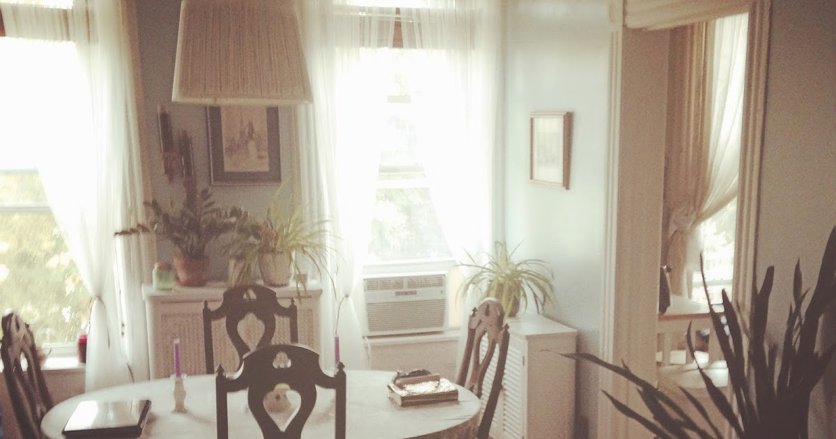 The Lovely Side: Small Space Tour: Theresa's 3rd Floor ...