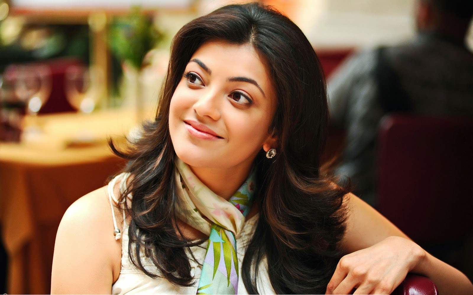 star hd wallpapers free download: kajal agarwal hd wallpapers free