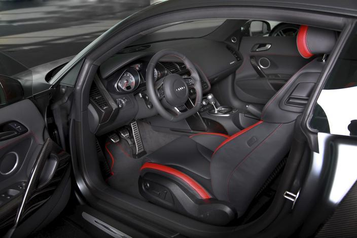 [Resim: Audi+R8+Exclusive+Selection+Edition+5.jpg]