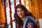 Shruti Haasan Stills from Balupu Movie-thumbnail-10