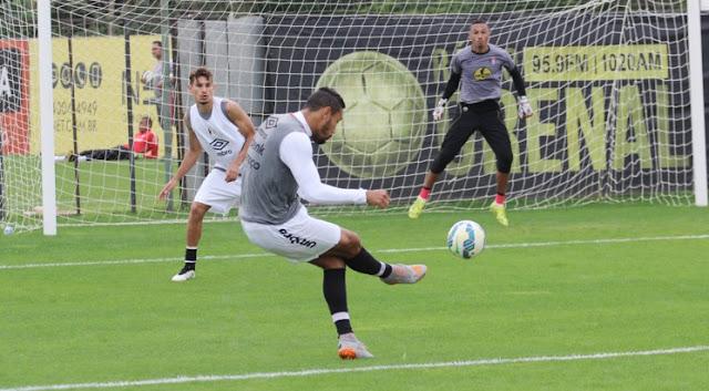 Em alta, Joinville encerrou a preparação para enfrentar o também embalado Grêmio (foto: Divulgação)
