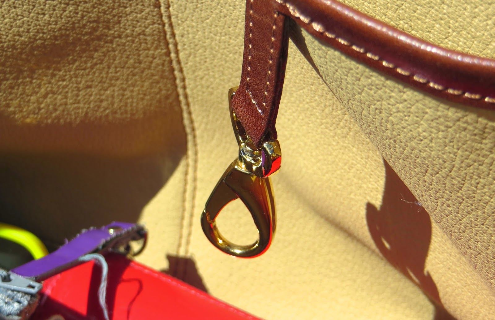Brenda Macleod Fiona tan keyring detail - Hello, Handbag