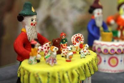 выставка глиняной игрушки Веселая карусель