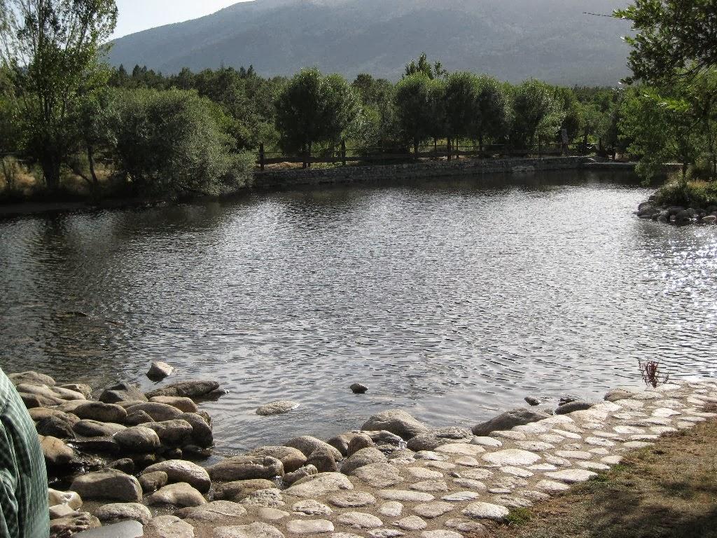 Viajando tranquilamente por espa a oto o en el valle del for Piscinas naturales zaragoza