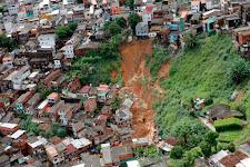 Mobilização por vítimas de chuvas reúne entidades e voluntários; saiba como doar