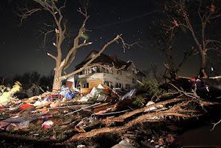 lei dominical em cidade americana por causa de um tornado