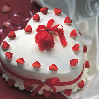 Heart Birthday Cake Heart Birthday Cakes Heart Shaped ...