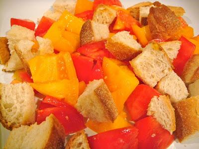 Tomato-bread salad (panzanella)
