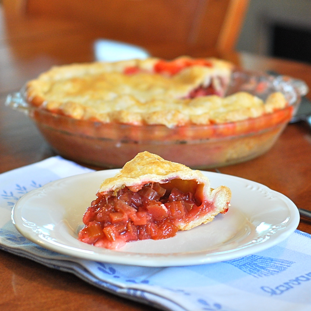 Marzipan: Rhubarb-Lovers' Strawberry Rhubarb Pie