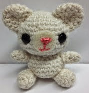 http://translate.google.es/translate?hl=es&sl=en&tl=es&u=http%3A%2F%2Fspoolofsunshine.blogspot.com.es%2F2013%2F07%2Flittle-teddy-pattern.html