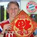 Schweinsteiger grava mensagem de feliz ano novo ao povo chinês. Assista