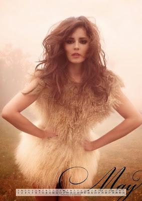Прекрасна Черил в новия й календар за 2012