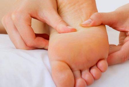 Berbagai Penyebab Kaki Bengkak Pada Ibu Hamil yang Lazim Ditemukan